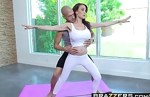 Brazzers - Milfs Like it Big - McKenzie Lee and Xander Corvus - Yoga Freaks Episode Five