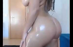 blonde oiled her pussy -more bigbuttscam.coml
