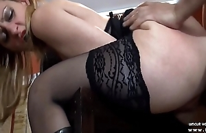 Mature french cougar in stockings analyzed with cum with mouth